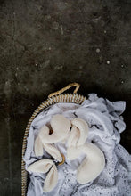 Afbeelding in Gallery-weergave laden, Mies & Co, speendoekje - snuggle bunny off white