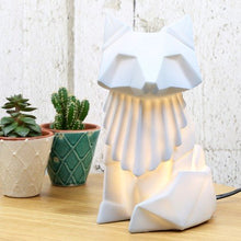 Afbeelding in Gallery-weergave laden, Disaster Designs, origami lamp - fox grey