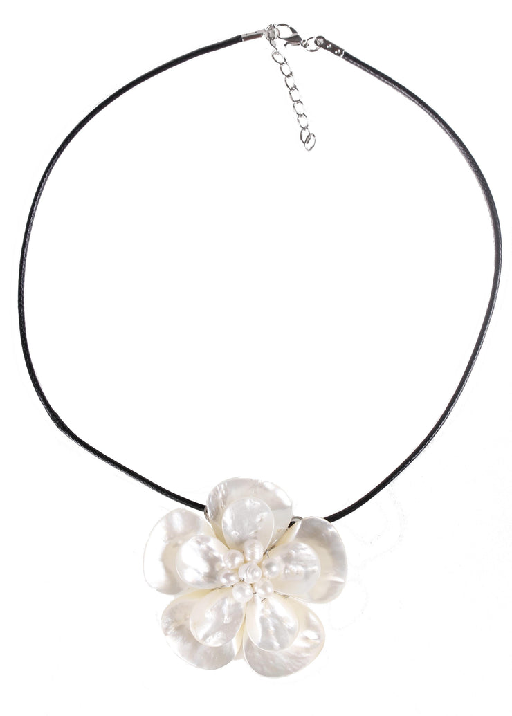 White Flower Necklace | PEARL PETALS