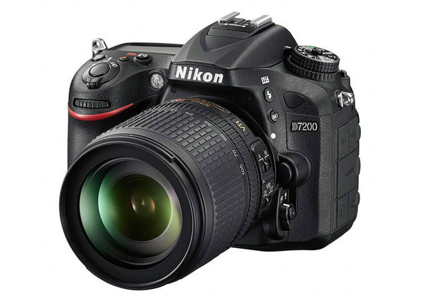 Nikon D7200 with 18-105mm VR Lens Kit