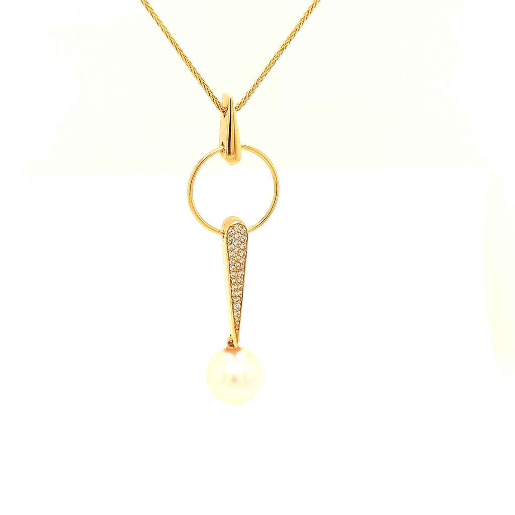 18 Karat Yellow Gold Necklace with Diamonds & a South Sea Pearl - GS2537