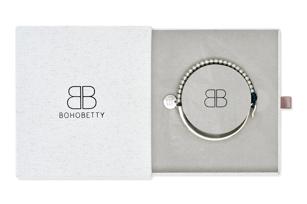 Beuvron Metallic Blue Leather Bangle Gift Set