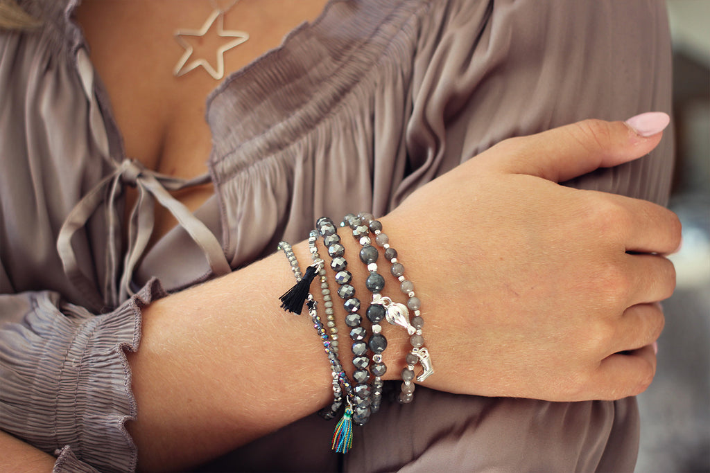 Piccolo Grey Labradorite Gemstone Stretch Bracelet - Boho Betty