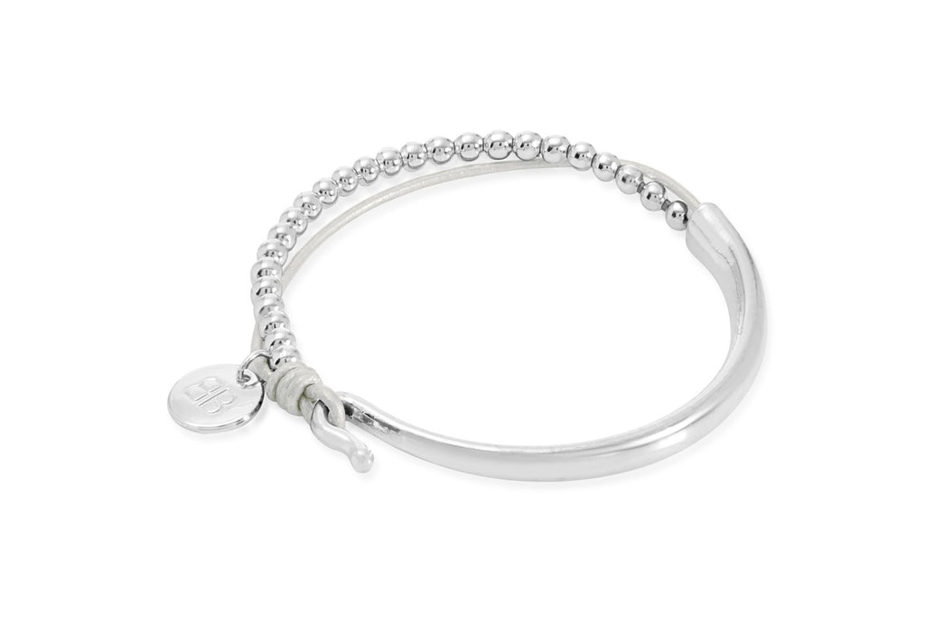 Creuse Pearlized White Leather Bracelet with Silver Balls and a Silver Bar