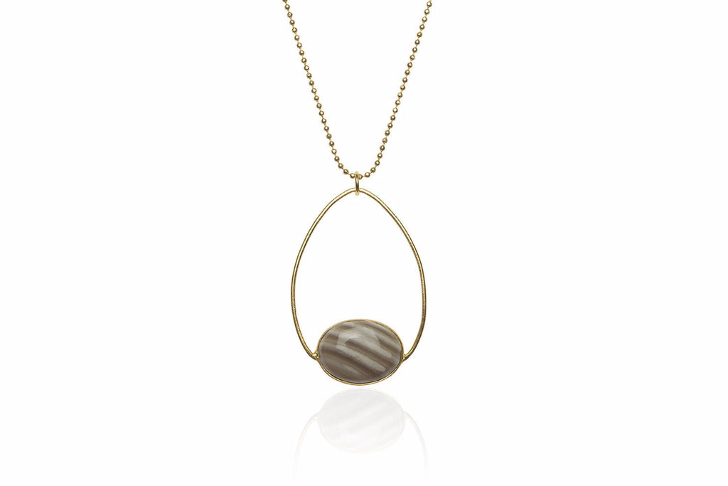 Mendes Short Gold Necklace with Striped Flint in Oval Setting