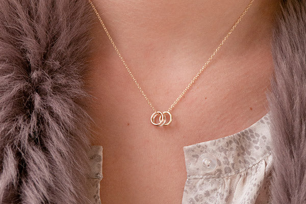 Albarino Gold 3 Ring Necklace