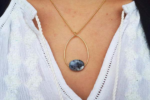 Pinto Short Gold Necklace with Dendrite Agate in Oval Setting