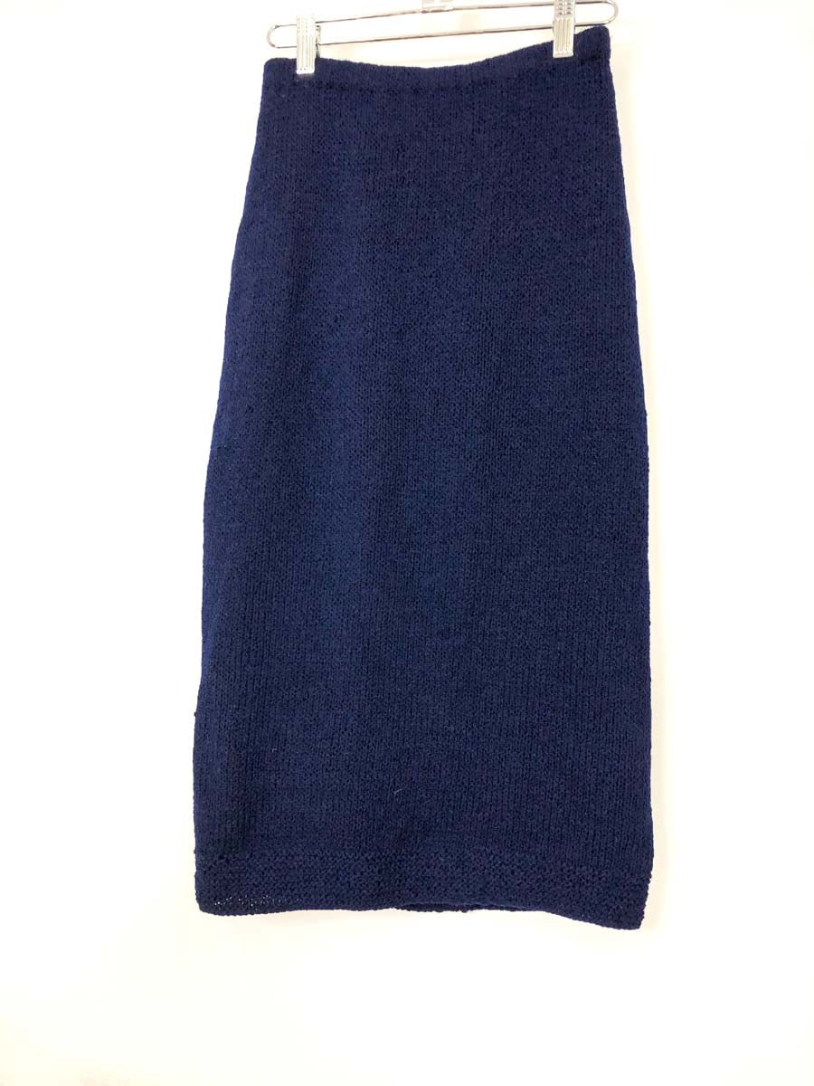 navy knit pencil skirt