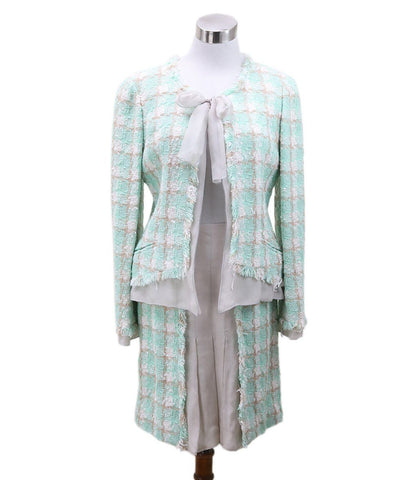 michaels luxury consignment Chanel tweed suit