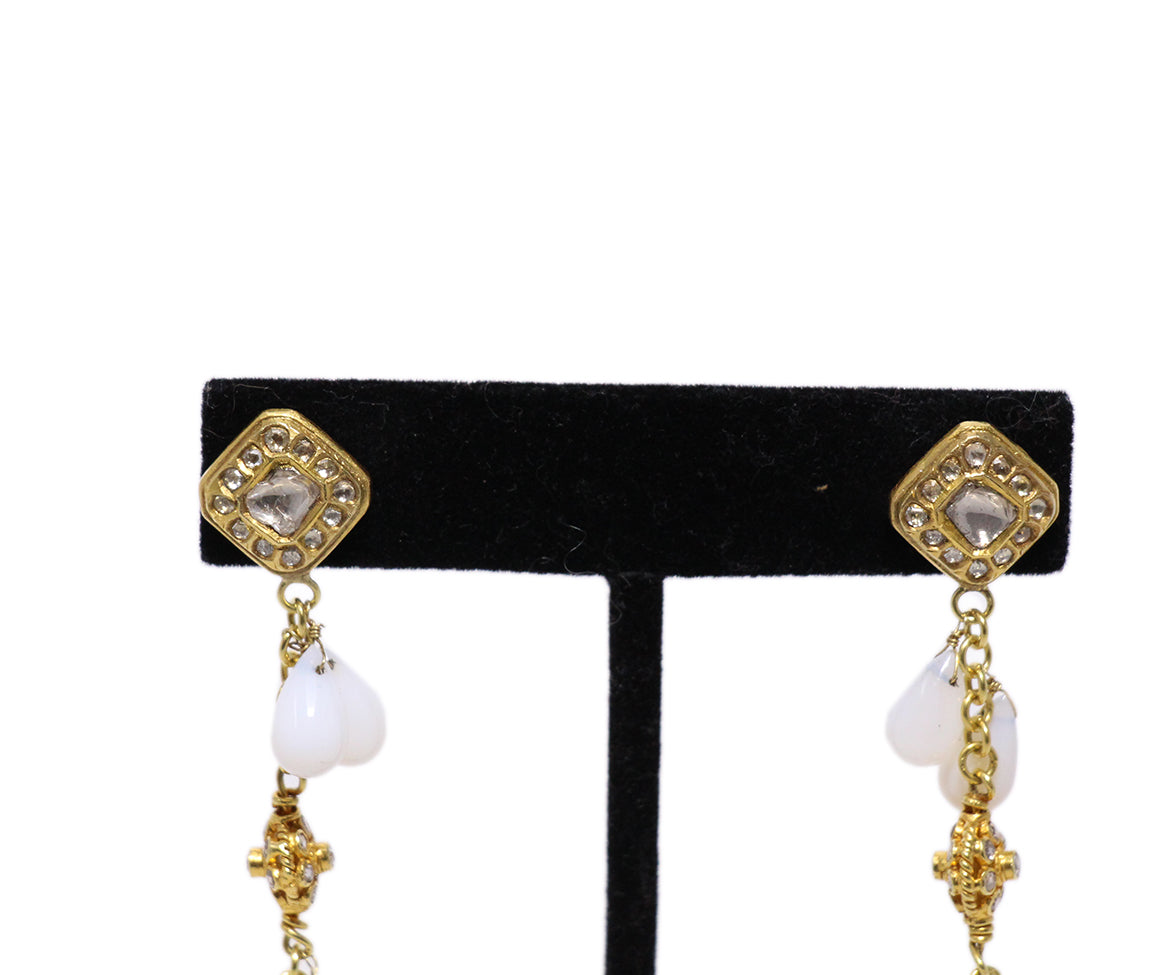 18 K Gold Vintage Diamonds White Agate Earrings 5