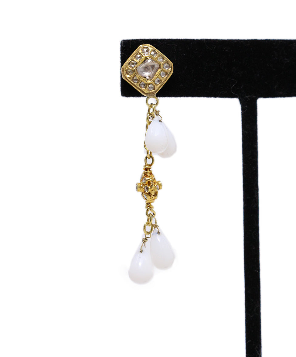 18 K Gold Vintage Diamonds White Agate Earrings 4
