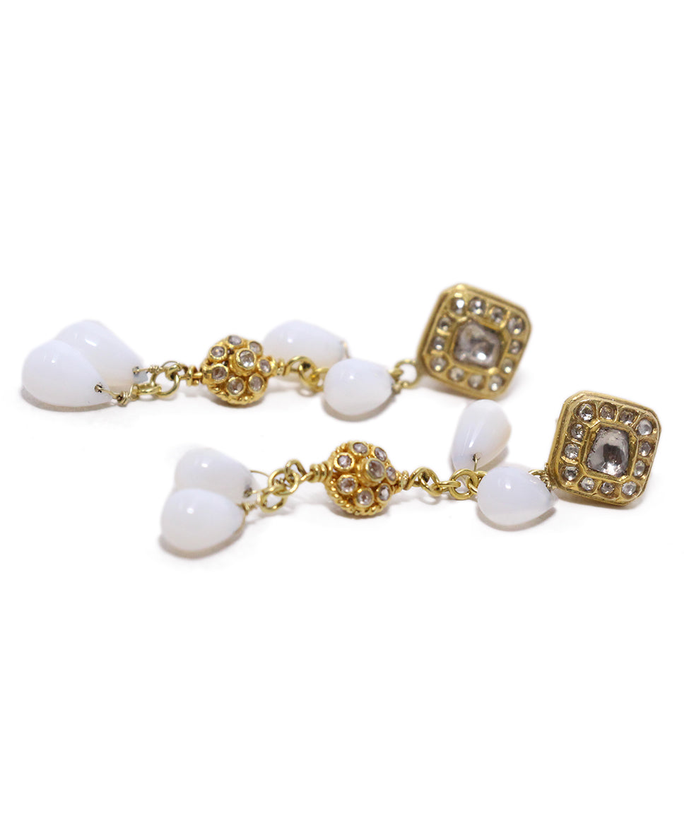 18 K Gold Vintage Diamonds White Agate Earrings 3