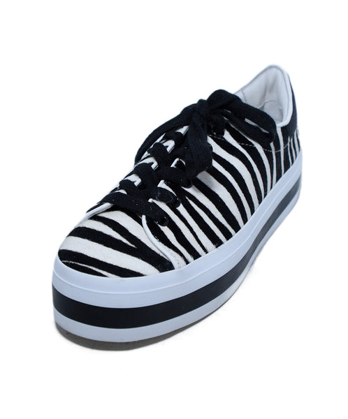 Alice + Olivia Black White Zebra Fur Sneakers 1