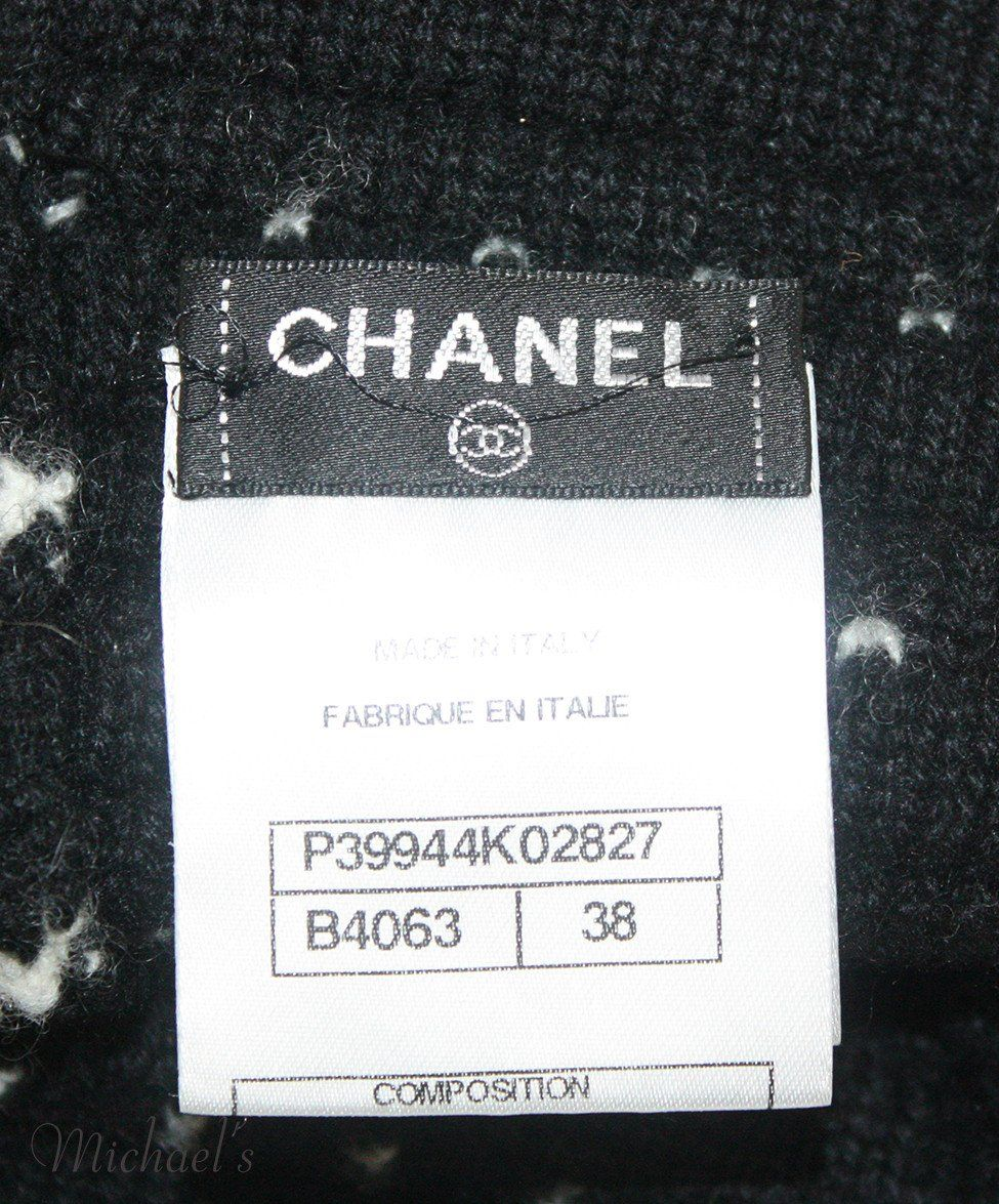 Chanel Black Cashmere Wool White Stripe Armwarmers - Michael's Consignment NYC  - 2