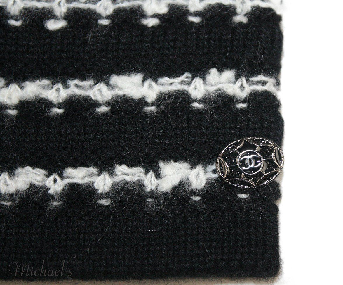 Chanel Black Cashmere Wool White Stripe Armwarmers - Michael's Consignment NYC  - 4