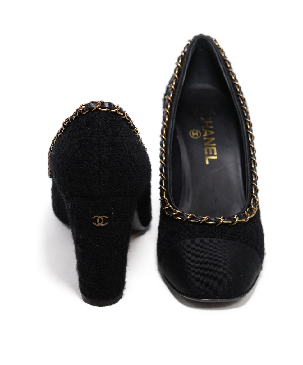Chanel Black Boucle chain trim heels 3