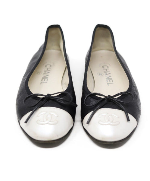 Chanel Black Ivory Pebbled Leather Flats 2