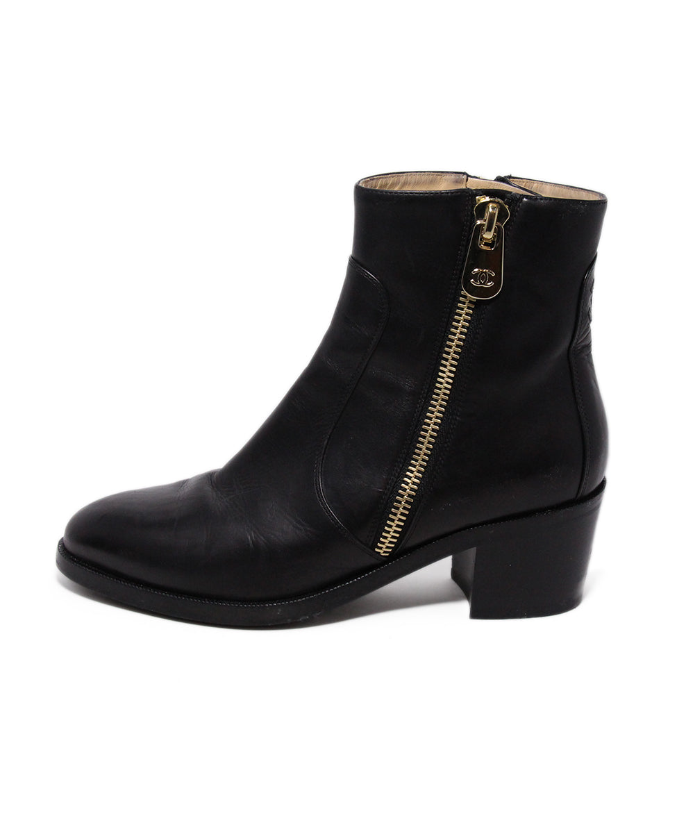 Chanel Black Leather Gold Zipper Trim Boots 2