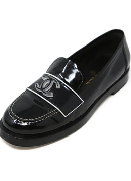 Chanel Black Patent Leather Loafers with Logo Detail 1