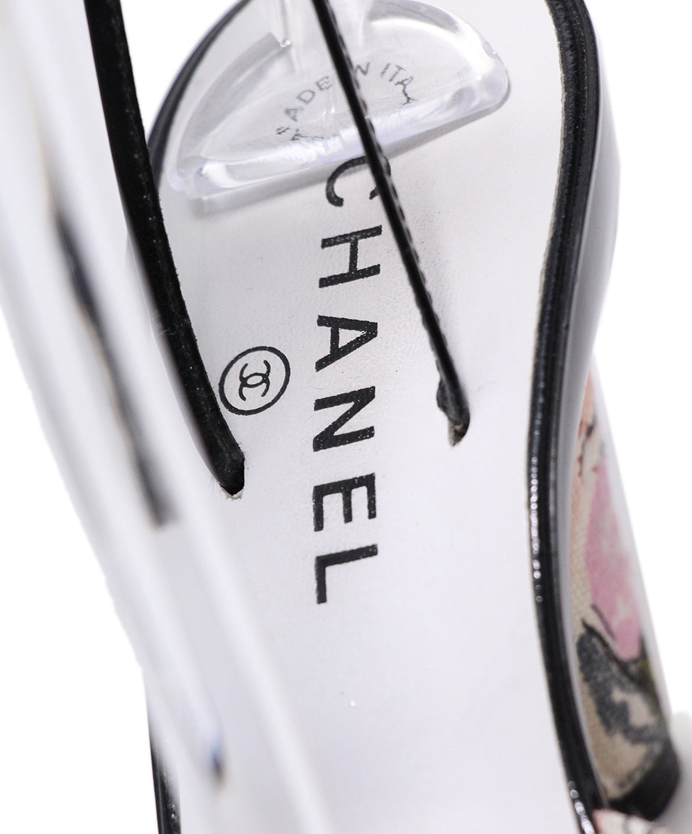 Chanel Black Patent Leather Pink canvas Trim 7