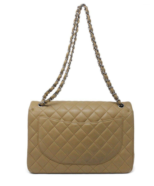 Chanel Neutral Jumbo Classic Flap Bag 2