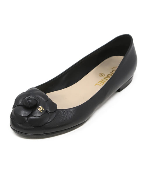 Chanel Black Leather Flower Detail Flats 1