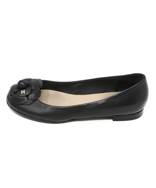 Chanel Black Leather Flower Detail Flats 2
