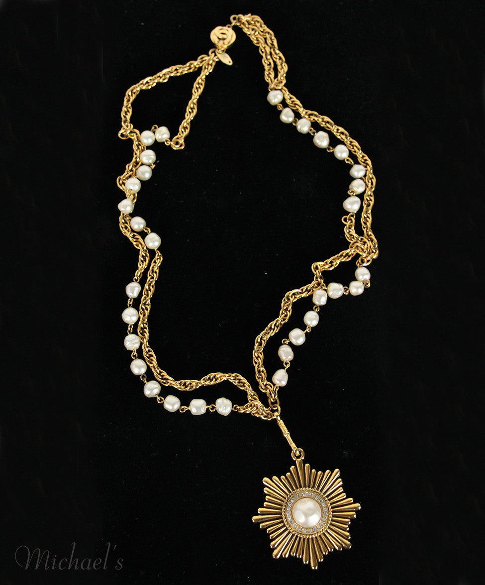 Chanel Vintage 1984 Gold Metal Pearl Rhinestone   Necklace