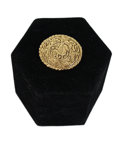 Chanel Metallic Gold Vintage Pin 1