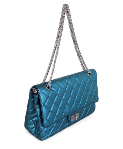 b547fe315e03 ... Chanel Metallic Teal Quilted leather 2.55 reissue jumbo 1