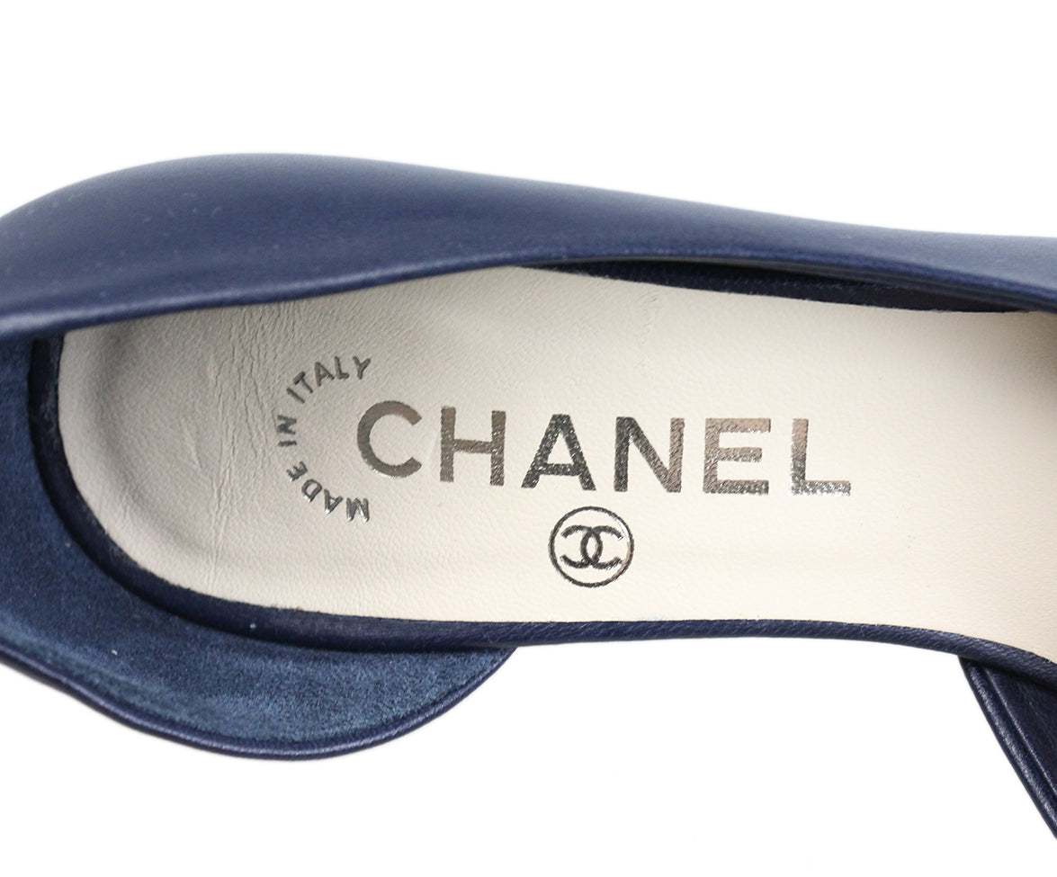 Chanel Navy Leather Flower Heels 5