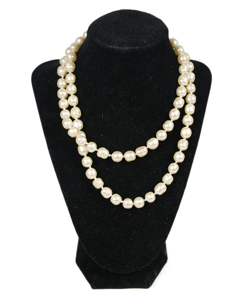 Chanel Pearl Vintage Necklace