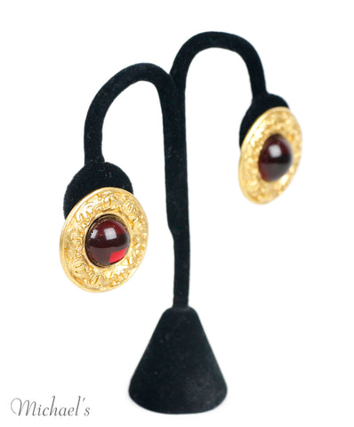 Earrings Clip-ons Chanel Metallic Gold Metal Red Crystal Jewelry