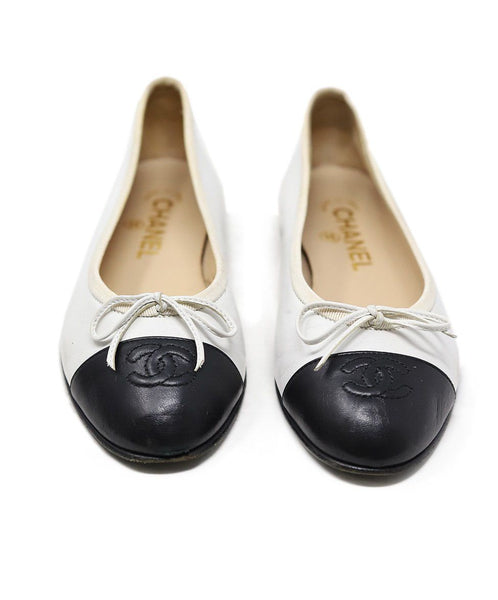 Chanel White Black Lambskin Leather Flats 2