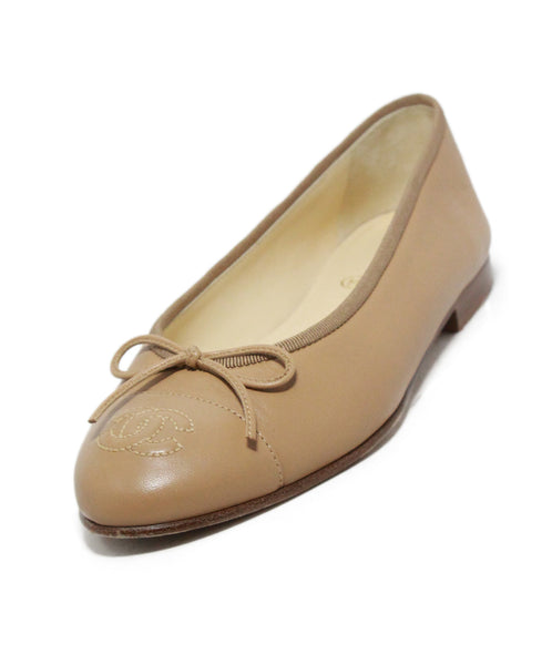 Chanel beige leather flats 1