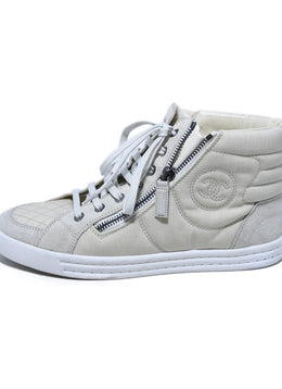 Chanel Beige Suede Nylon Sneakers 2
