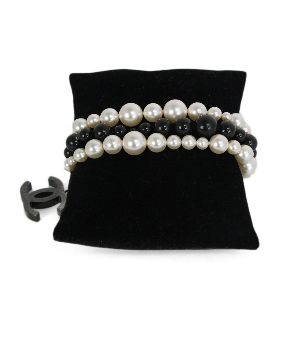 Chanel black ivory pearl beaded bracelet 1