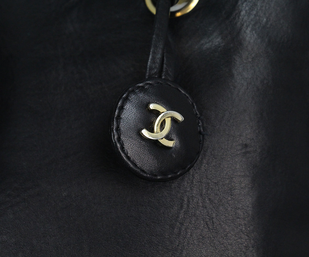 Chanel black leather tote 10