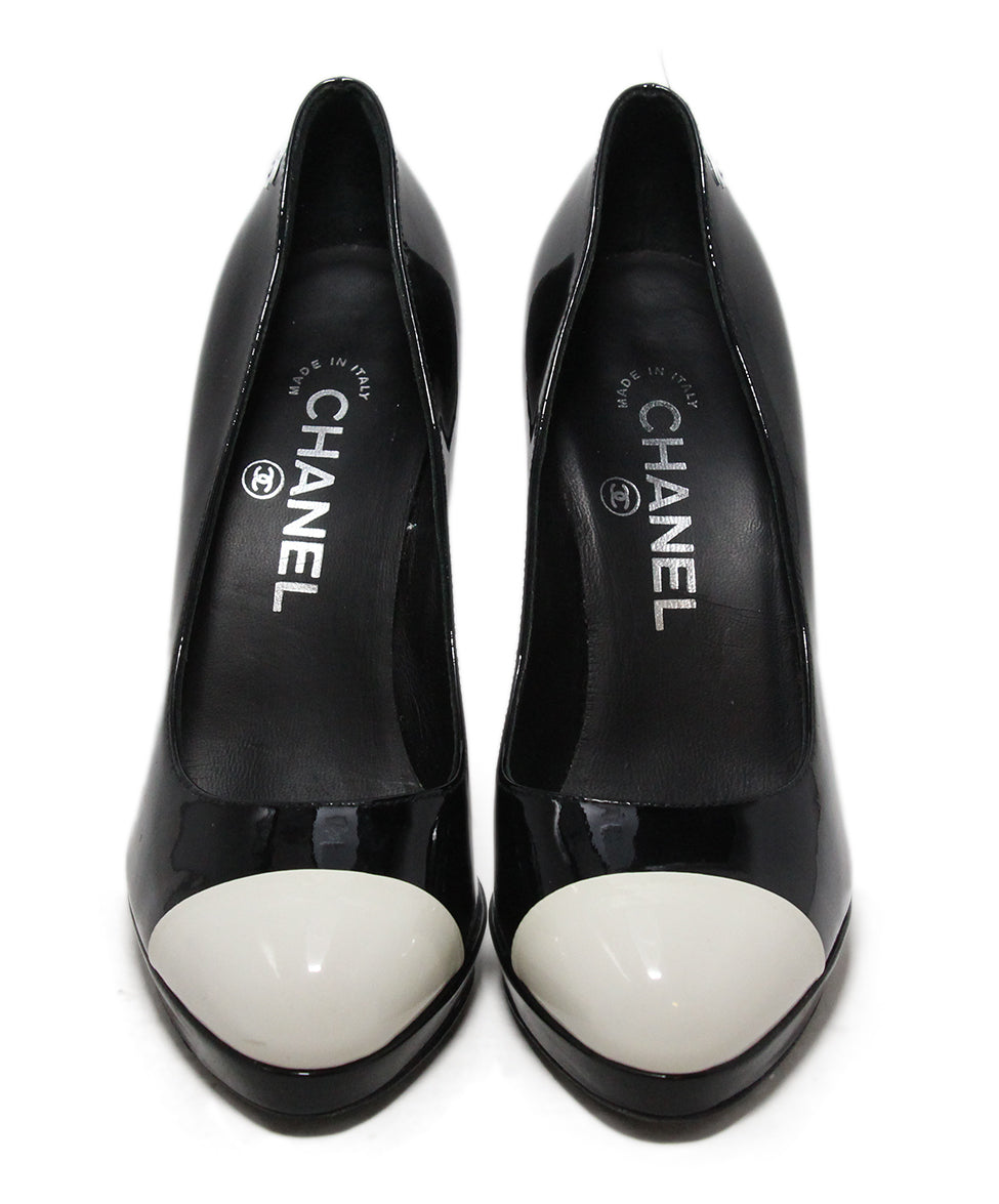 Chanel black patent leather white heels 4