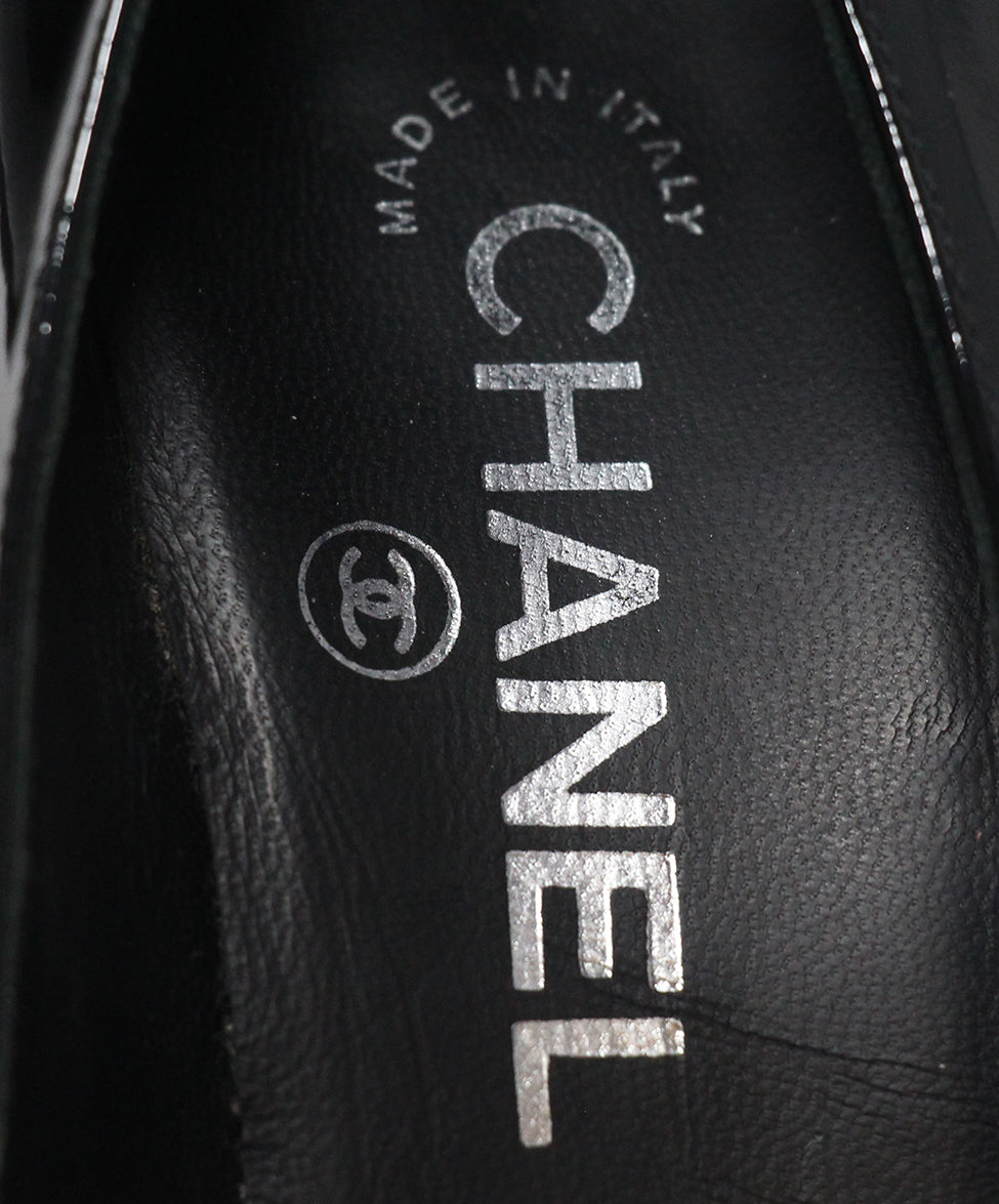 Chanel black patent leather white heels 7