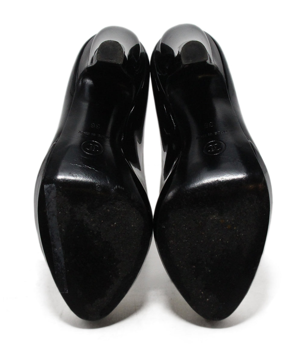 Chanel black patent leather white heels 5