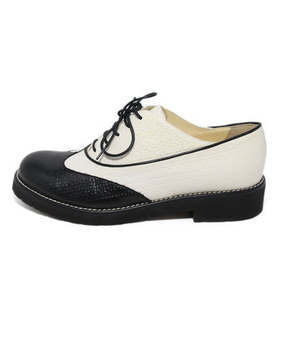 Chanel black white leather lace up oxfords 1