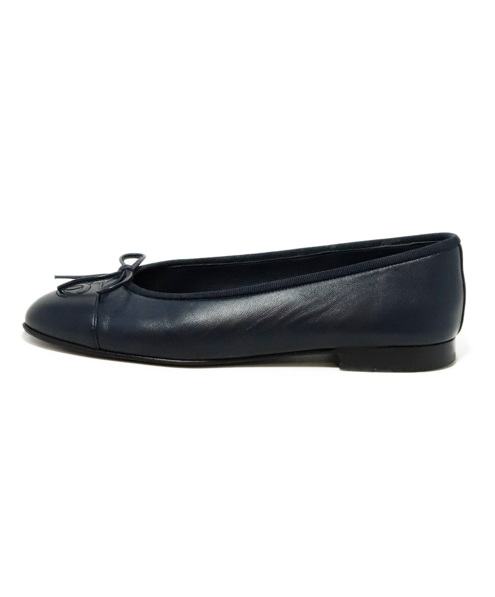 Chanel Blue Navy Leather Ballerina Flats 2