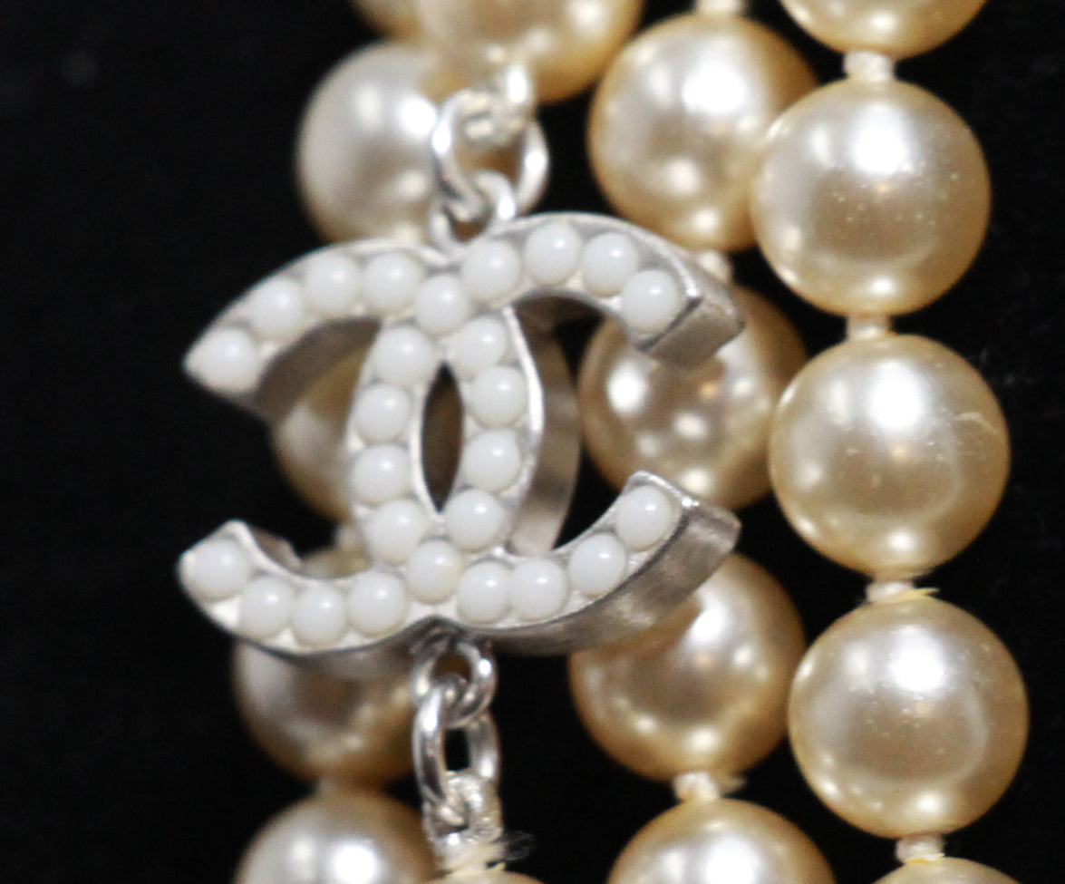 Chanel ivory pearl necklace 3