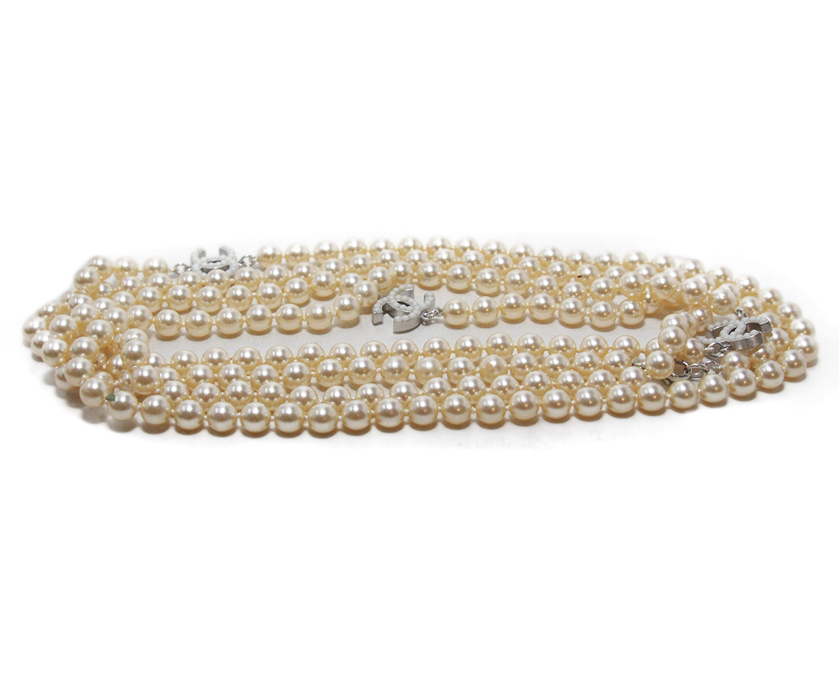 Chanel ivory pearl necklace 2
