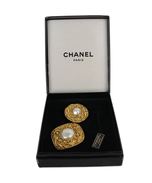 Chanel metallic gold faux pearl pin 1