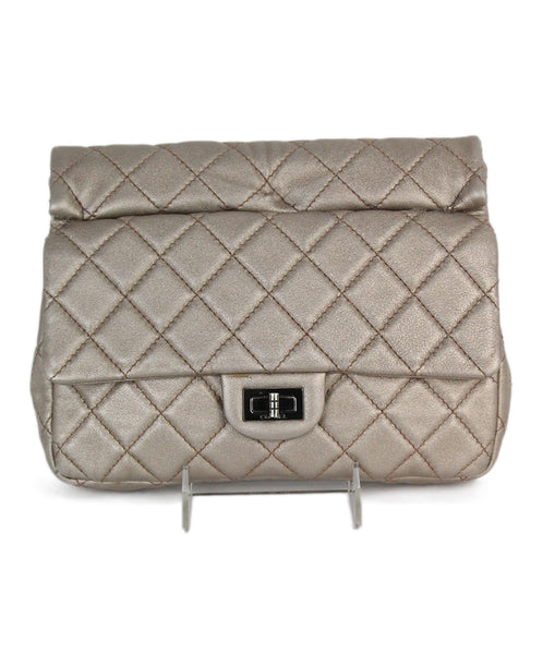 Chanel metallic gold quilted leather clutch 1