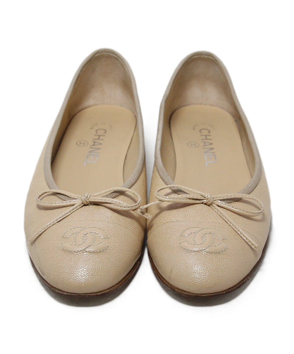 Chanel neutral beige iridescent leather flats 4