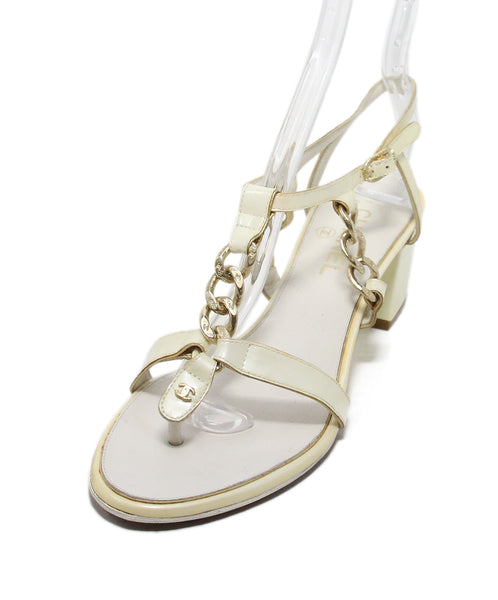 Chanel pearl patent leather sandals 1