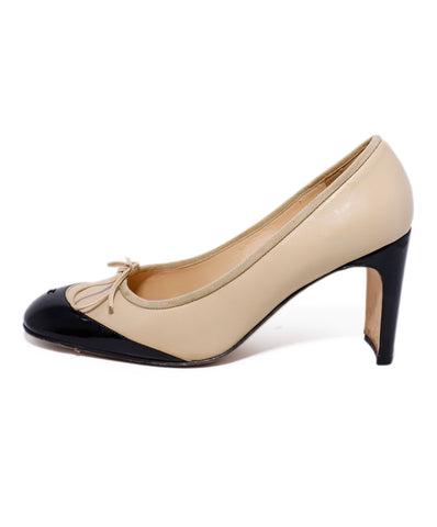 Chanel Neutral Tan Leather Black Patent Heels 1